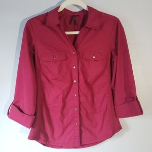 ⭐Cathy maroon 3/4 sleeve button down shirt size S⭐